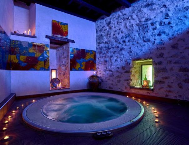 Solo con l'offerta Benessere con Gusto del Castrum Resort Umbria vivi un completo weekend in una location unica!