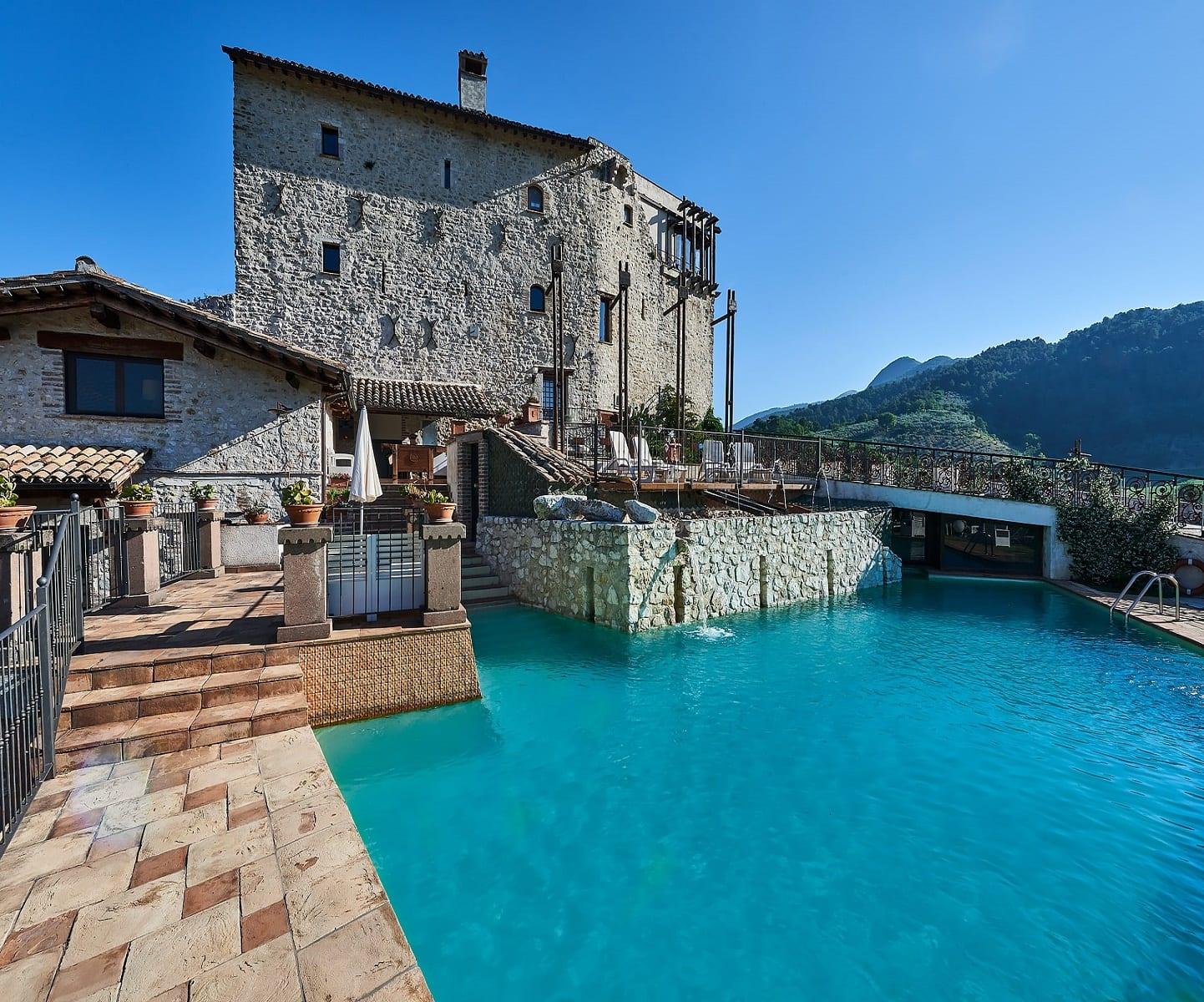 Prenota il pacchetto Castello Castrum Resort Spoleto in Esclusiva!